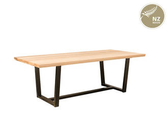 Thorndon Tapered  Base 2200 x 1000 Table  & Barleaner