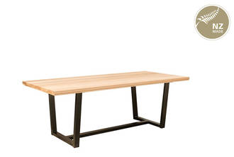 Thorndon Tapered  Base 2000 x 1000 Table  & Barleaner
